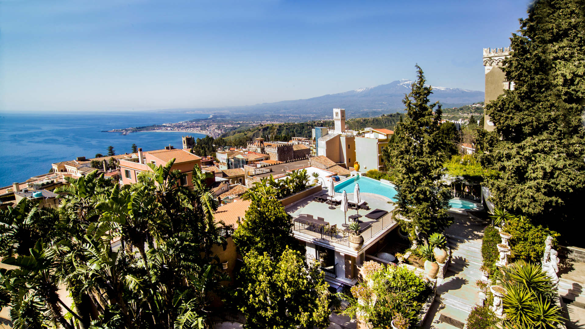 villas-with-pool-in-taormina