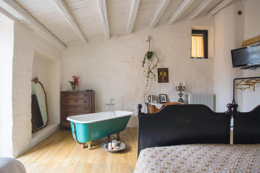 Bedroom Fra Bastiano in Magical House, Gratteri, Sicily