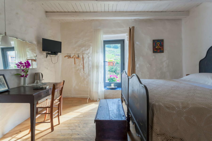 Double bedroom Fra Francesco in Magical House, Gratteri,  Sicily
