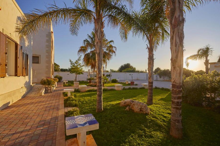 The large lawned garden in Villa del Tufo Marsala Western Sicily Scent of Sicily