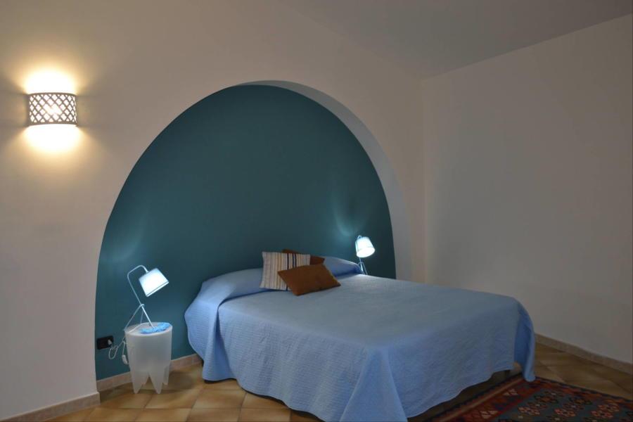 Marsala-Villa-Signorino-blu-doublebedroom-ScentOfSicily
