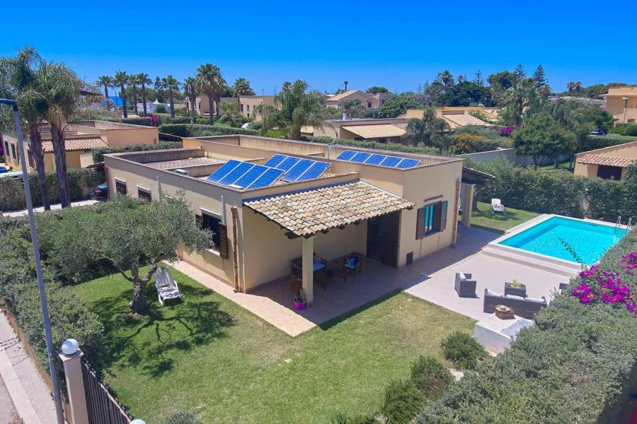 Villa Simo Marsala Western Sicily, respecting nature with solar panels