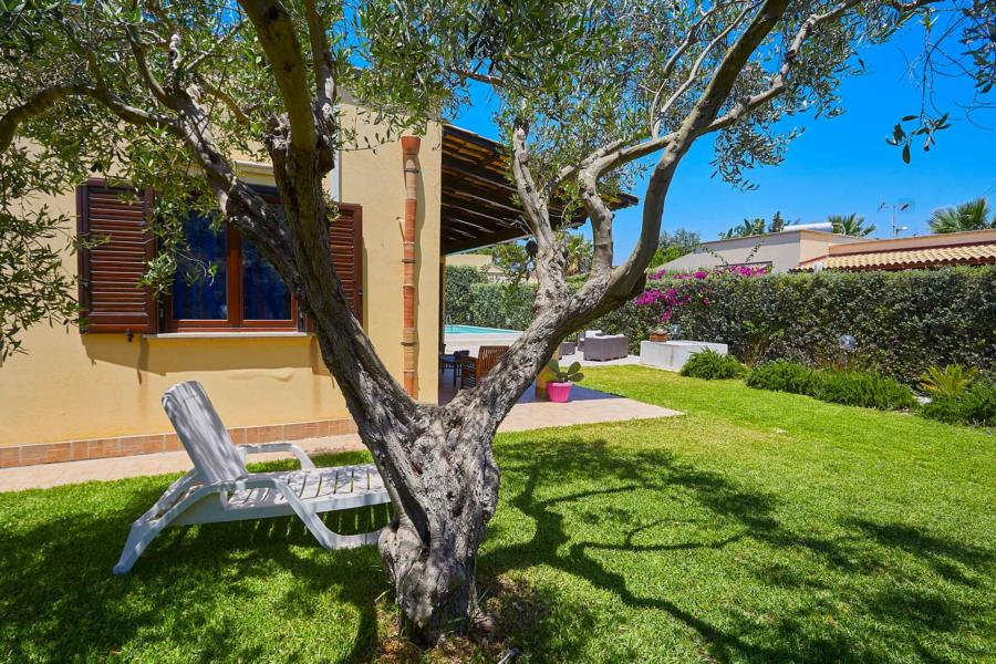 Villa Simo Marsala Western Sicily,  relax under the olive tree