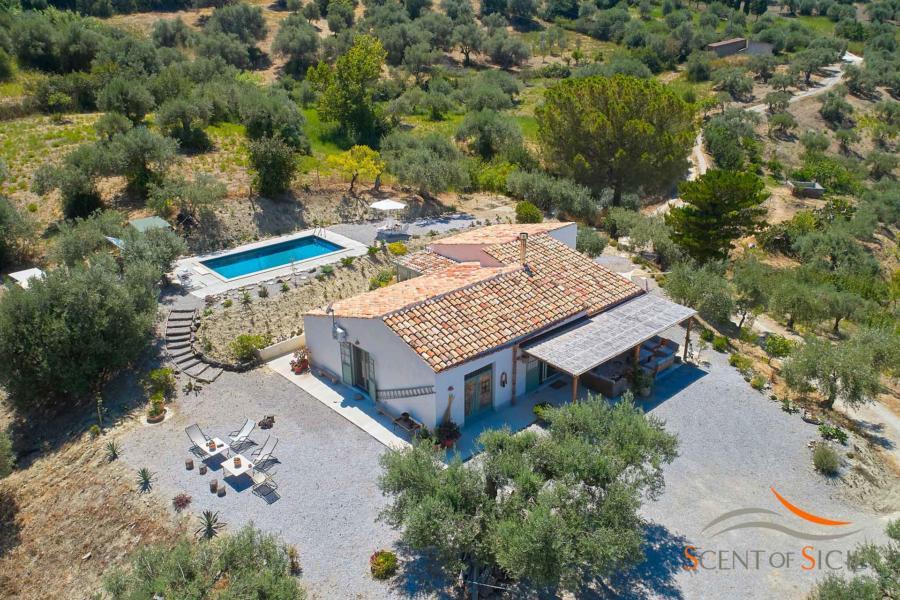 Elegant rural style in Villa Marina Cefalu area Scent of Sicily