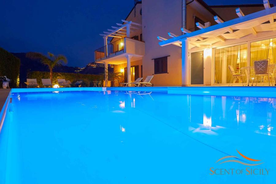Beautiful outdoor and pool lighting in the luxury Villa Tarmina Bellevue Taormina Scent of Sicily