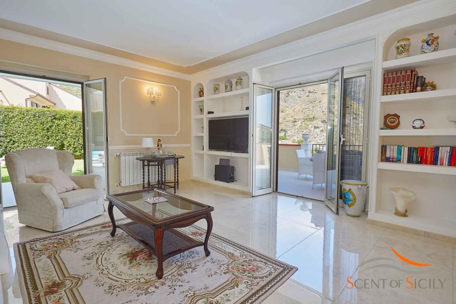 Living room in the charming property Villa Taormina Bellevue, Taormina Scent of Sicily