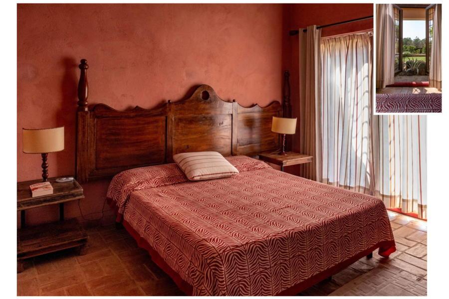 Spacious and rustic double bedroom in Villa Bouganville Castelvetrano Sicily