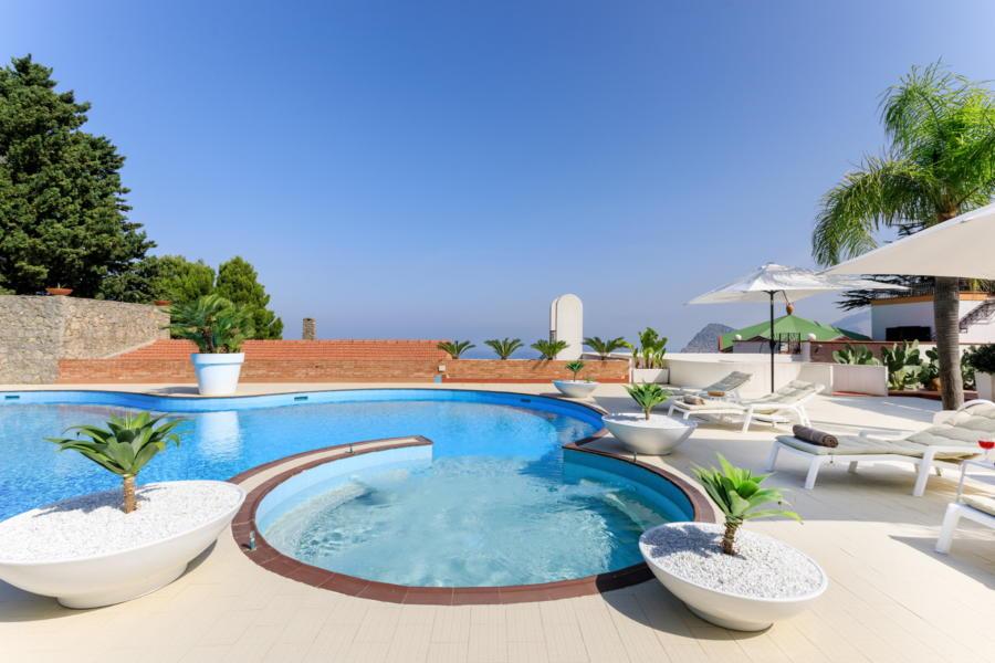 Big swimming pool in Villa Amphora Carini Scent of Sicily
