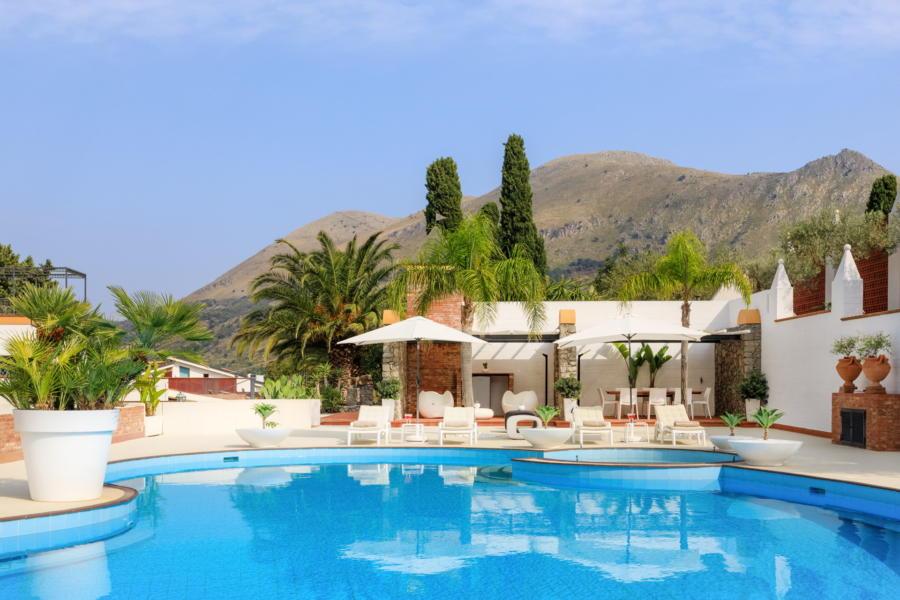 Amazing villa with big pool and hydromassage corner in Villa Amphora Carini Scent of Sicily