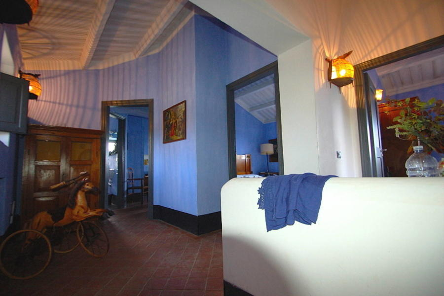 Elegant blue sleeping area in Villa Sea View Cefalu area Scent of Sicily