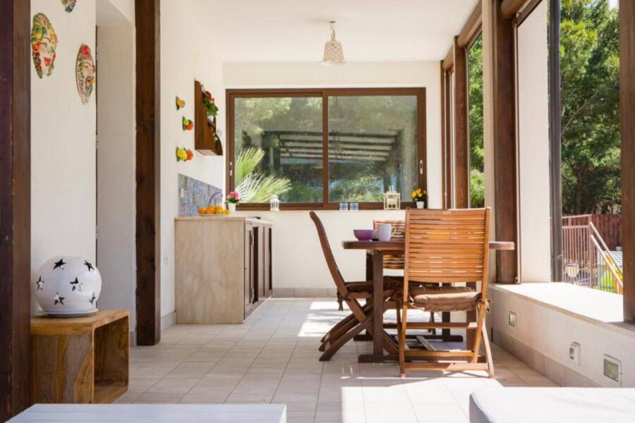 SanVitoLoCapo-VillaSeaBreeze-kitchen-patio-ScentOfSicily