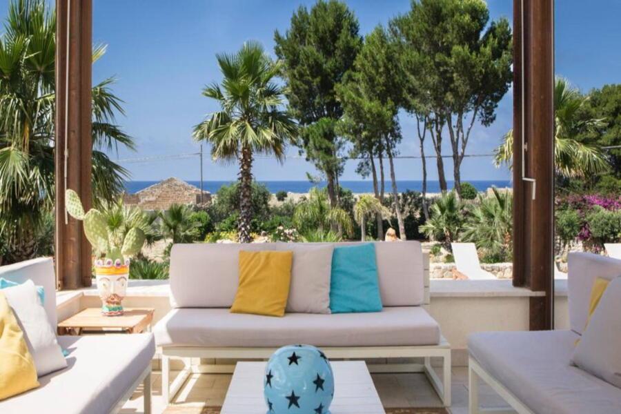SanVitoLoCapo-VillaSeaBreeze-sofa-patio-ScentOfSicily