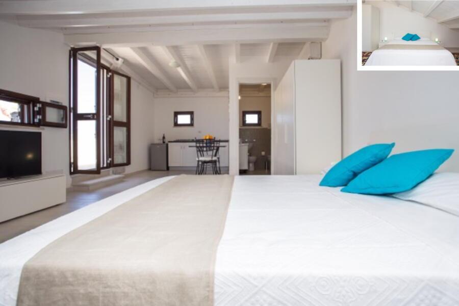 SanVitoLoCapo-VillaSeaBreeze-suite-bedroom-ScentOfSicily
