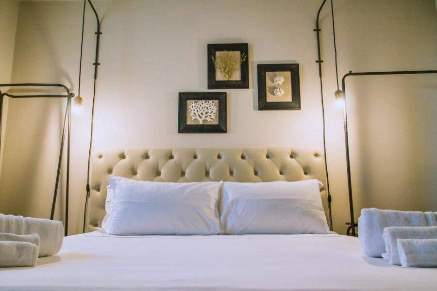 Villa-PietraBianca-Marina-di-Ragusa-Scent-of-Sicily-lightness-bedroom