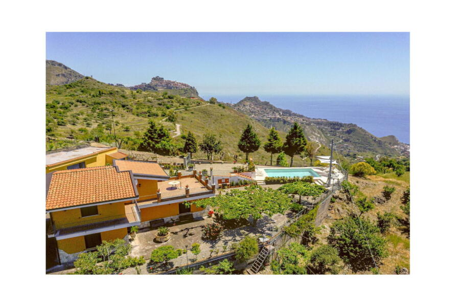 Villa-Terrace-taormina-View-ScentOfSicily