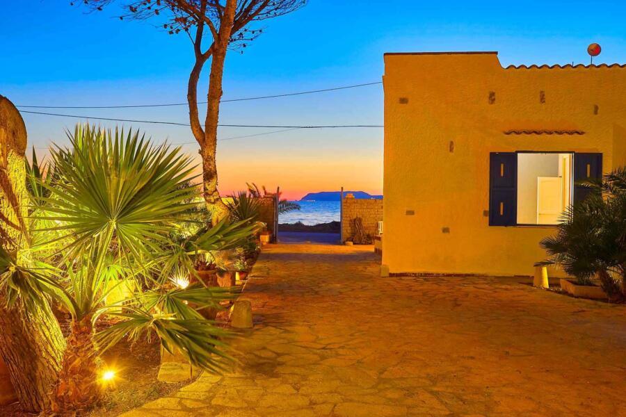 Trapani_Villa_Maraus_Sunset_ScentOfSicily