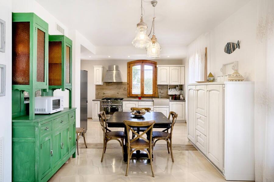 Ragusa_VillaPietraBianca_kitchen_view_ScentOfSicily