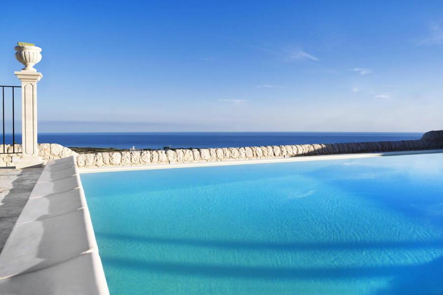 Ragusa_VillaPietraBianca_pool_view_ScentOfSicily