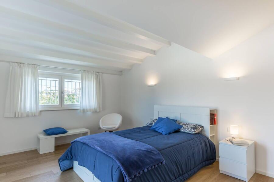 The triple bedroom.
