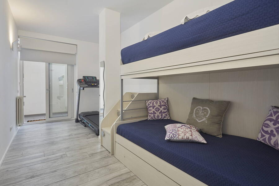 The twin bedroom with bunk bed