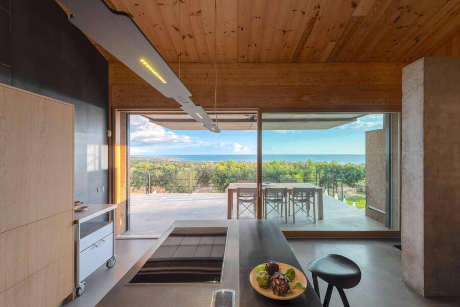 The view of the sophisticated kitchen