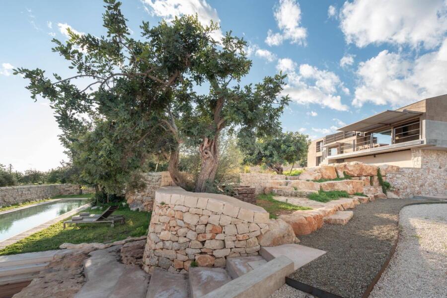 Welcome in baroque Sicily in Villa Design