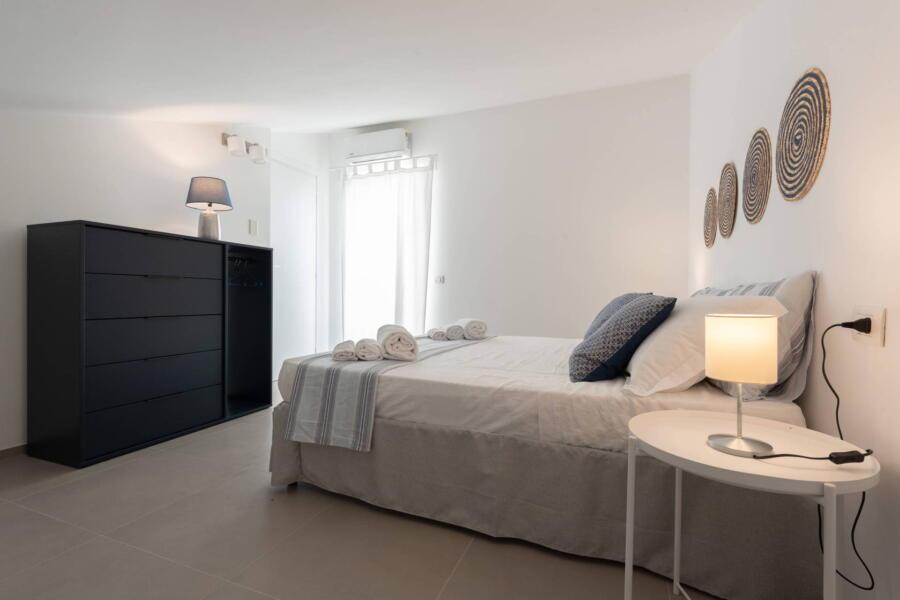 Double bedroom black spirals