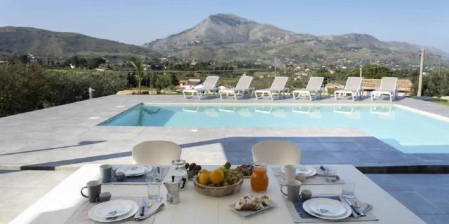 last-minute-villa-con-piscina-sicilia-fraginesi-scopello-castellammare-del-golfo