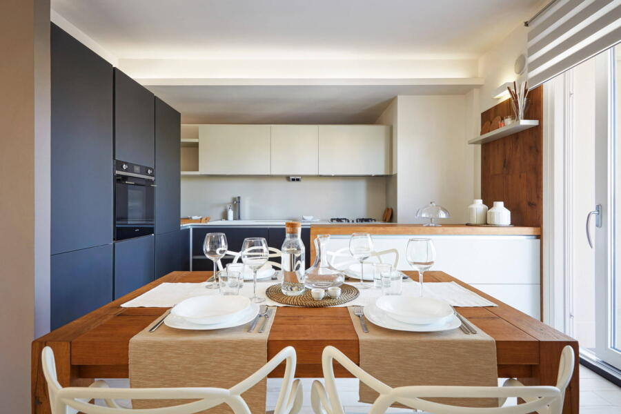 The linear and tasteful kitchen