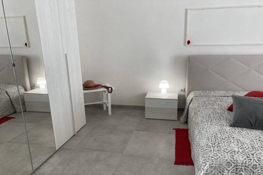 """The ground floor """"rossa"""" double bedroom en suite"""