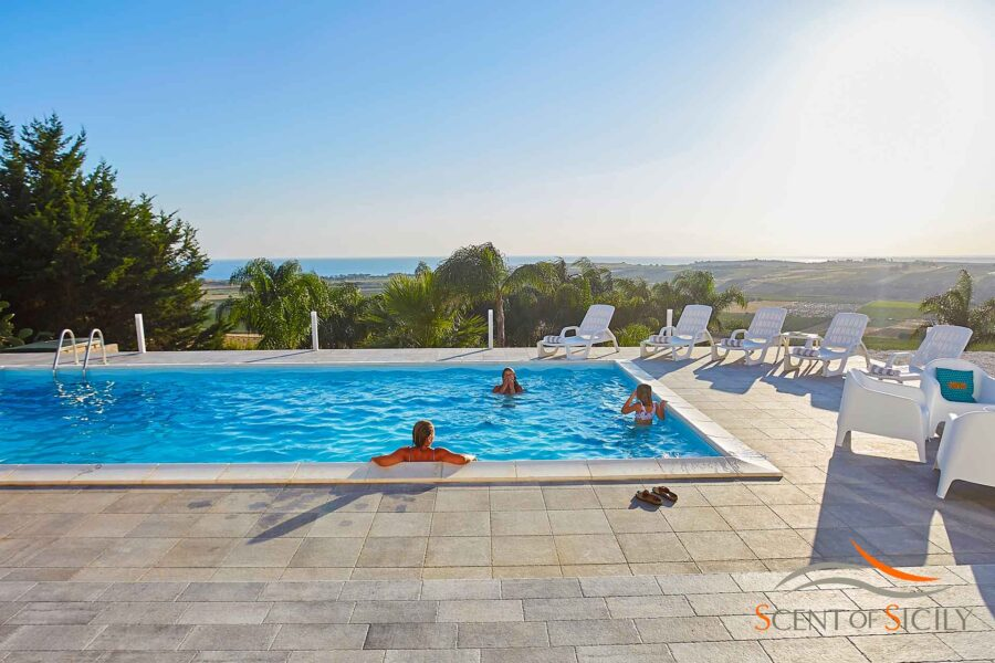 Relax by the pool and enjoy the colours of the landscape